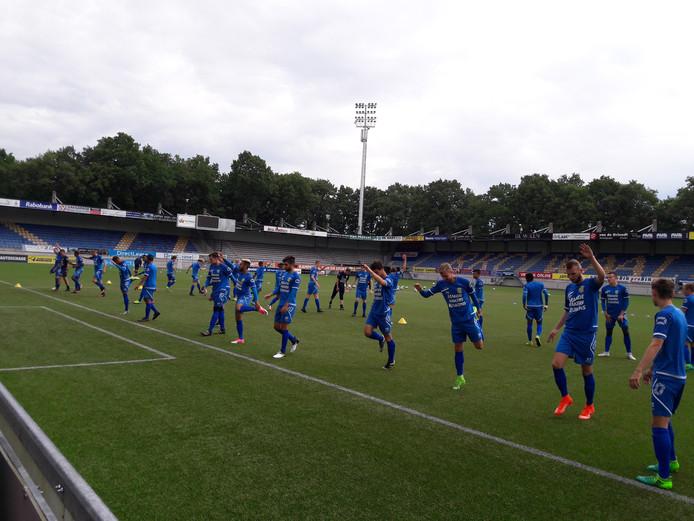 Bij RKC Waalwijk trainden eerste elftalspelers en beloften samen in aanloop naar de wedstrijd van zaterdag tegen de Waalwijkse selectie.