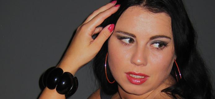 Foto van de bij de vliegramp in Tripoli omgekomen Joëlle van Noppen op haar hyvespagina.
