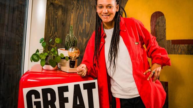 """Gloria Boateng ging van TikTok tot het gezicht van 'Make 2020 Great Again': """"Ik wéét hoe moeilijk het kan zijn om rond te komen"""""""