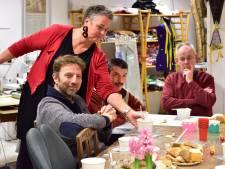 'Modezussen' Debora en Anita uit Gouda helpen bijstandsgerechtigden bij opzetten eigen zaak