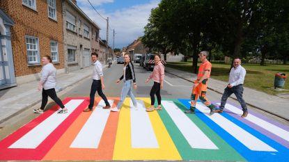 Oversteken aan de bib in Kuurne doe je voortaan in kleur