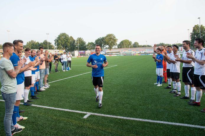 Na veertien seizoenen bij SDC Putten nam voetballer Iwan Bos vrijdag afscheid.