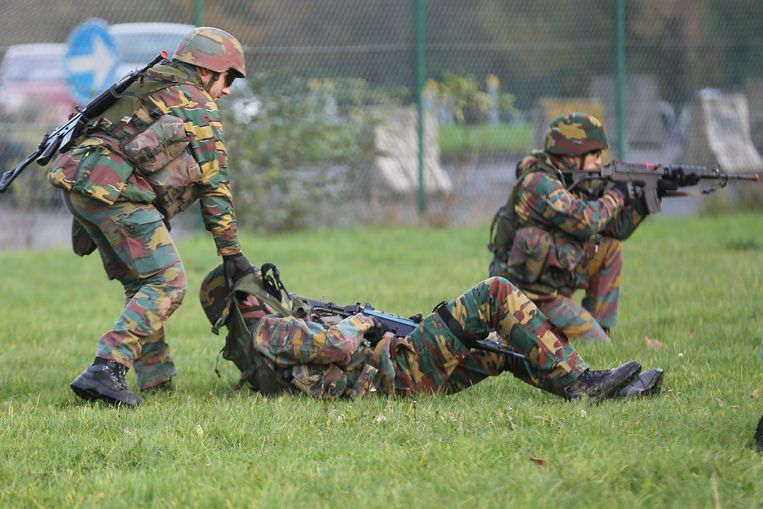 Belgische militairen tijdens een oefening. Beeld BELGA