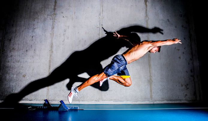 Een van de kanshebbers is deze foto van Rob Voss. Meerkamper Eelco Sintnicolaas (30) uit Apeldoorn is topfit na járen van blessureleed. En hongerig. ,,Ik wil vlammen op het EK in Berlijn.'' Geldersnieuwsfoto