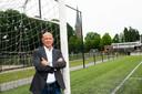Voorzitter Kick Scholten wil graag dat alle volleyballers, voetballers en handballers van Voorwaarts straks op één locatie kunnen sporten. Nu zit de omnisportvereniging nog op meerdere locaties in het dorp.