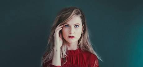 Beroerte van haar moeder inspireert Lieke Anna uit Tilburg voor Insta-serie: 'Dit kan ook jongeren overkomen'