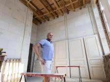 Bernhard (43) verbouwt in z'n eentje de voormalige school in Rekken: 'Bijna niets is hier nog origineel'