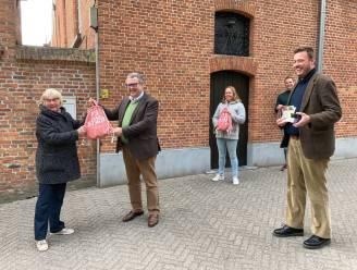 Stad lanceert 'Trek-er-op-UiT'-tassen
