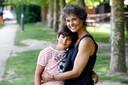 Muriel Bats  met haar  zoon Mo    Mei 2020
