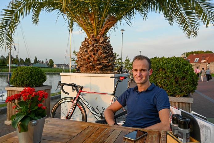 Dylan van Zijl weet een jaar na de val in Nunspeet nog altijd niet precies wat hem mankeert. Maar fietsen op behoorlijk niveau is verleden tijd.