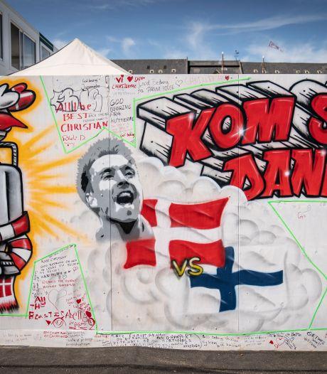 Foto's: Muren in Kopenhagen hangen vol met steunbetuigingen voor Eriksen