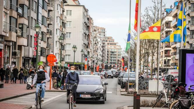 Knokke-Heist hangt vlaggen halfstok als eerbetoon aan overleden burgemeester
