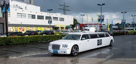 Superdeluxe supportersvervoer; met de limousine naar Heerenveen-Heracles