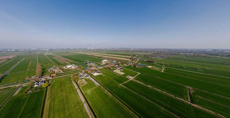 Polder Rijnenburg tussen Utrecht (boven in beeld), Nieuwegein en IJsselstein in de hoek van de snelwegen A12 en A2.  Beeld Hollandse Hoogte / Erik van 't Woud