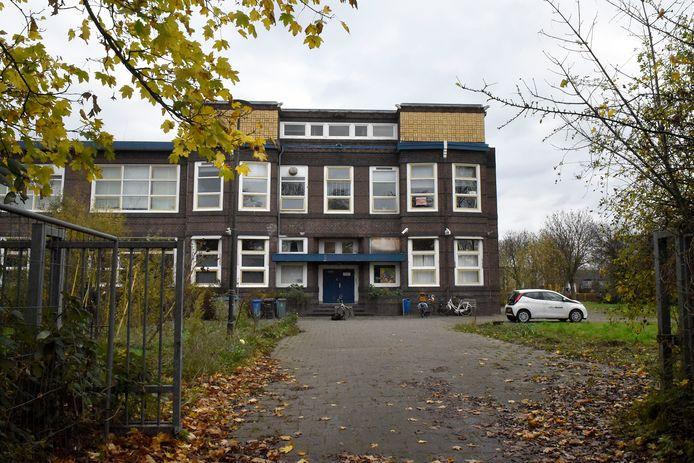 Het oude Minkemagebouw aan de Van der Valk Boumanlaan.