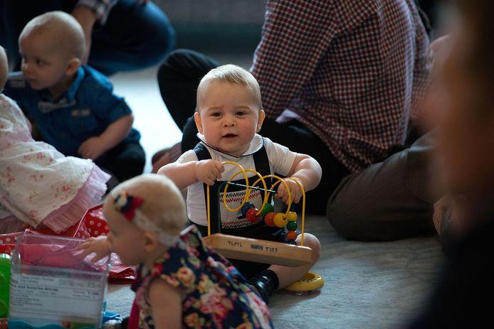 Als baby van negen maanden oud ging George al met zijn ouders mee op reis naar Nieuw-Zeeland, onder meer op bezoek bij een organisatie die zich inzet voor kinderen en families.