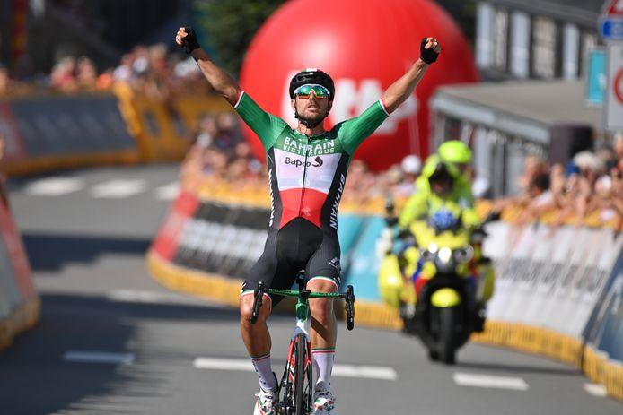 Sonny Colbrelli won in Houffalize de zesde rit in de Benelux Tour.