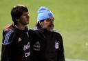 Messi zij aan zij met Argentijns bondscoach Maradona op het WK 2010 in Zuid-Afrika.