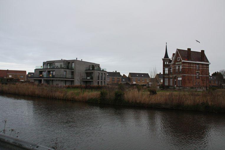 Deze Villa Emma in Adinkerke moet verdwijnen voor de bouw van 41 ééngezinswoningen