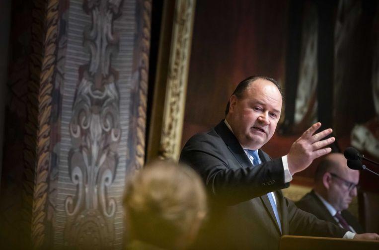 Henk Otten (Fractie Otten) tijdens het debat in de Eerste Kamer over de spoedwet met stikstofmaatregelen.  Beeld ANP