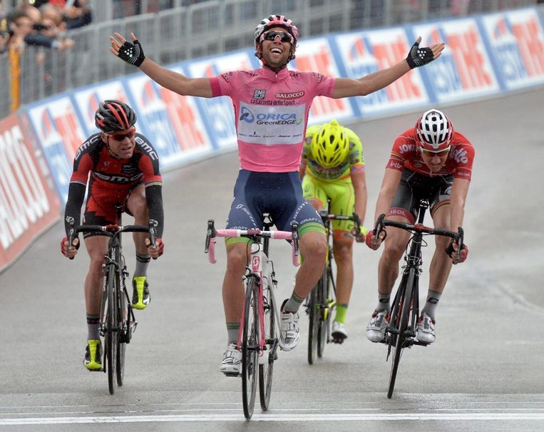 Michael Matthews toont zich op de top van de slotklim sneller dan Wellens, Evans en Rabottini.