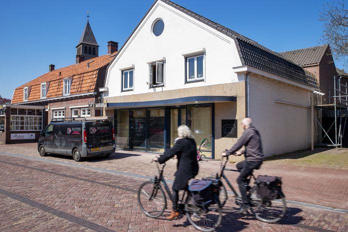 De verbouwing van het pand aan de Willibrordstraat is in volle gang.