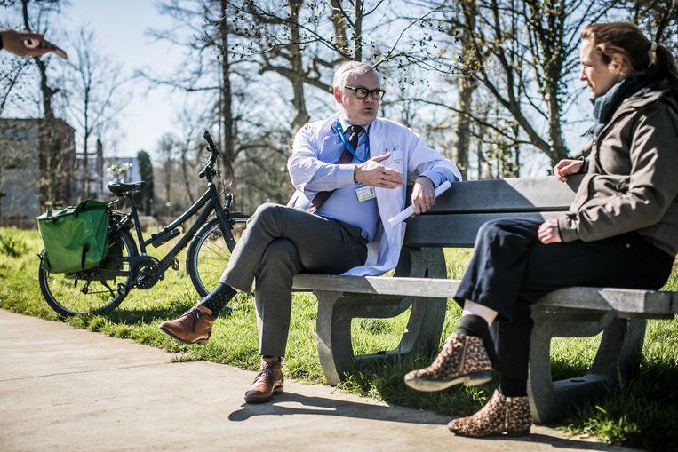 Medisch directeur van AZ Diest Werner Spileers en coördinerend huisarts Caroline De Weer.  Beeld Bas Bogaerts