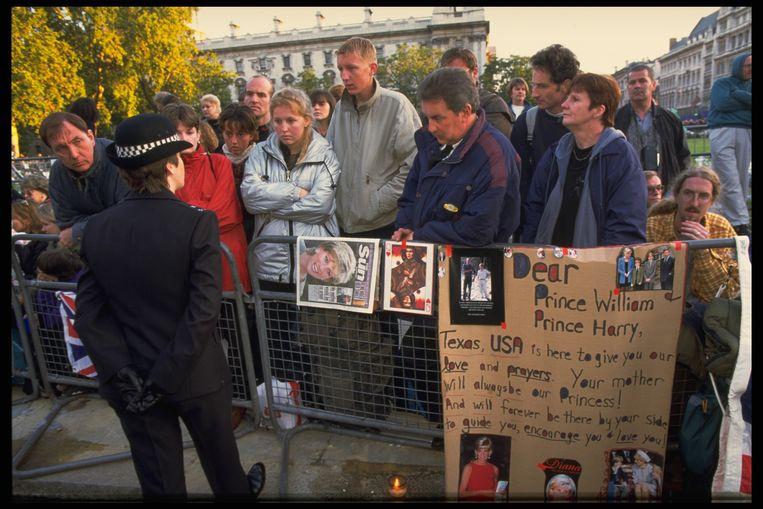 Nationale herdenking in Loden, 1997. Beeld Getty Images