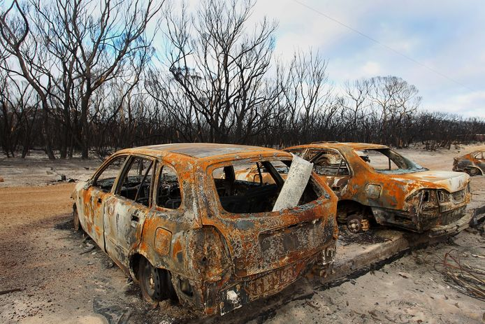 Uitgebranden auto's in het Australische Flinders Chase National Park