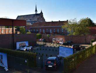 Sint-Victor toont school via drive through