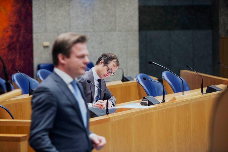 Pieter Omtzigt (CDA) en Eric Wiebes (VVD) in februari 2017. Beeld Hollandse Hoogte / Werry Crone