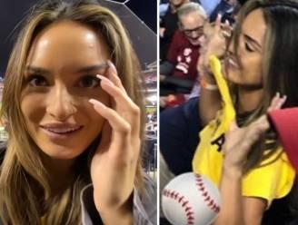 """Instagrammodellen tonen borsten tijdens World Series """"voor goed doel"""". In 'achter de schermen'-video laten ze zien hoe ze te werk gingen"""