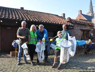 Vrijwilligers maken 's-Gravenwezel proper op World Cleanup Day