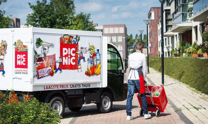 De elektrische bezorgwagens van Picnic zijn vanaf eind mei in het Apeldoornse straatbeeld te zien.