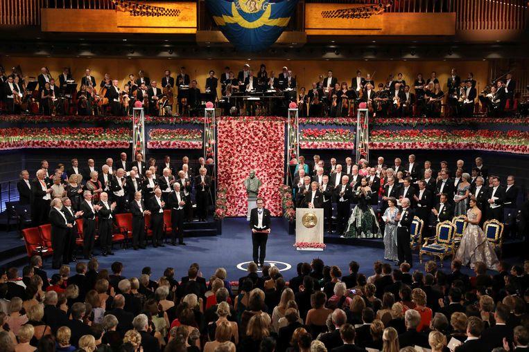 Feringa na het in ontvangst nemen van de Nobelprijs voor de Scheikunde. Beeld AFP