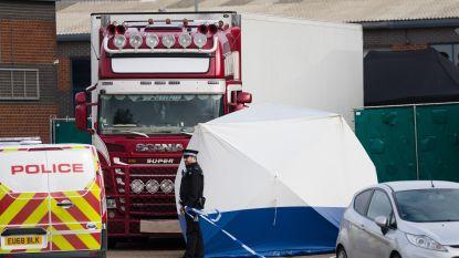 Dertien verdachten opgepakt in ons land voor gestikte migranten in koelwagen