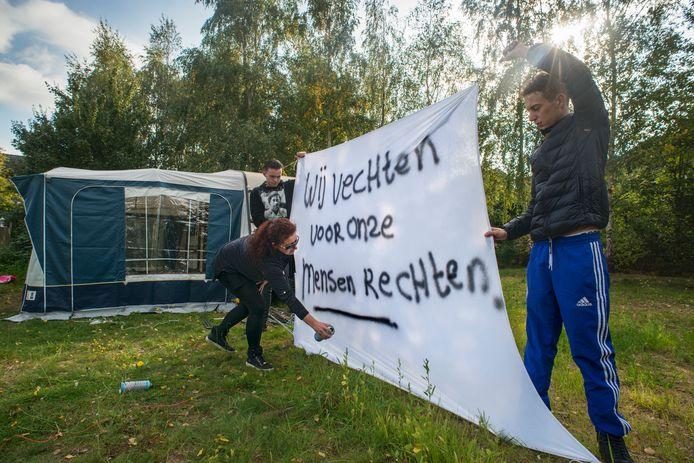 Woonwagenbewoners uit Heesch voerden vorige week nog actie voor meer standplaatsen.