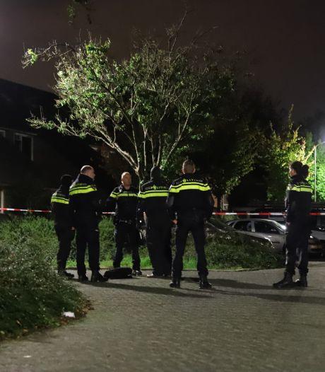 Vermoedelijk zwaar vuurwerk bij woning in Tiel schudt buurt wakker: 'Ik zat meteen rechtop in bed door de knal'