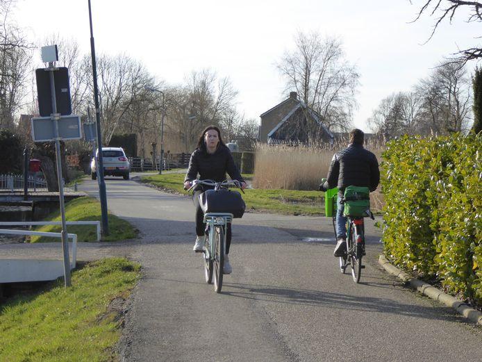 De Wielsekade bij de Wielebrug in Lopik, onderdeel van de fietsverbinding oost-west.