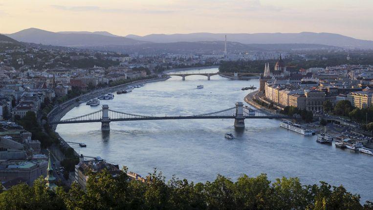 De Donau, stromend door Boedapest Beeld thinkstock