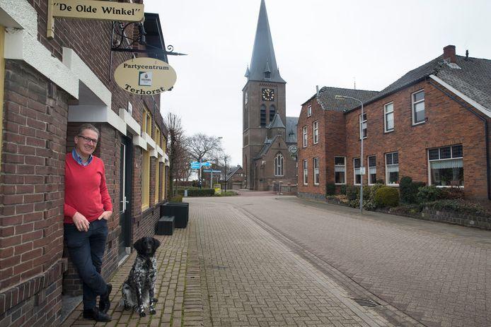Jan Terhorst in 2018 bij zijn horecazaak in Netterden. Archieffoto: Theo Kock