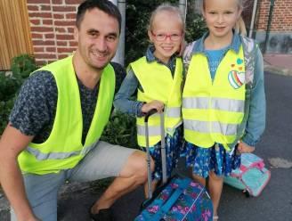 School daagt ouders uit met schoolpoortquiz over verkeersregels