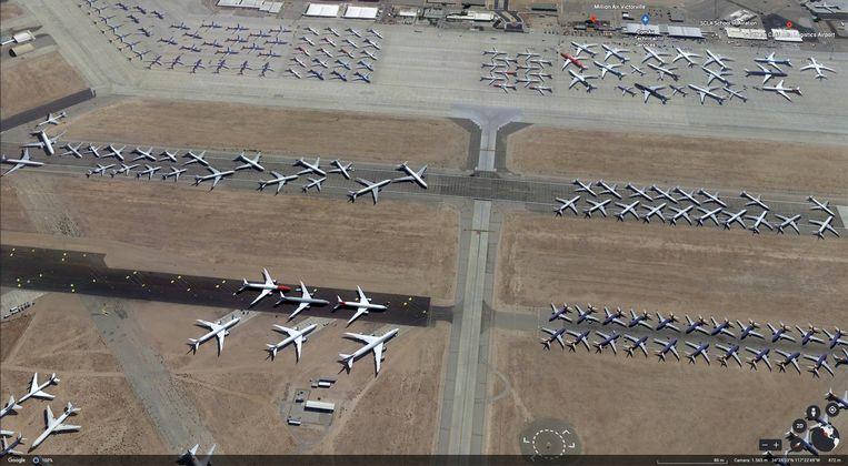 De luchthaven Victorville in Californië, een van de grootste vliegtuigstallingen in de VS. Beeld Volkskrant/Google