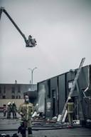 De brandweerkorpsen kwamen meteen ter plaatse en kregen zondagochtend omstreeks 4 uur de brand onder controle.