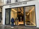 De nieuwe chocolaterie Vandenbouhede in de Mageleinstraat.