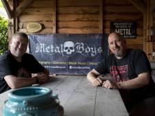 Almelose buurmannen Richard (53) en Etiënne (51) doen alles om metalmuziek te promoten (en hebben duizenden volgers)