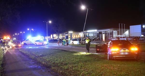 Twee personen gewond naar het ziekenhuis door ongeluk in Oss.