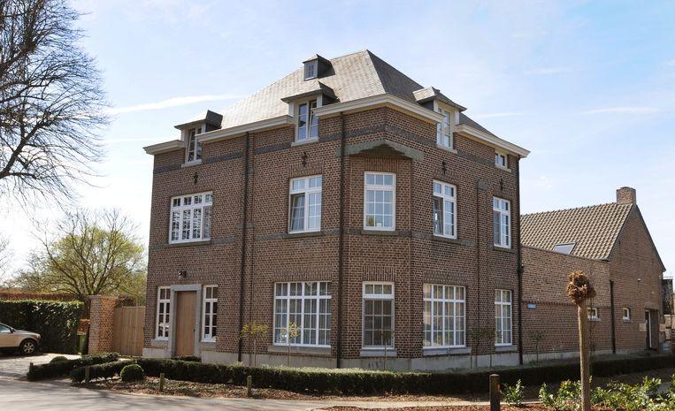 De woning van Karel en Tine Henckens is de woning van Jelle (gespeeld door Karlijn Seleghem ) in de reeks.