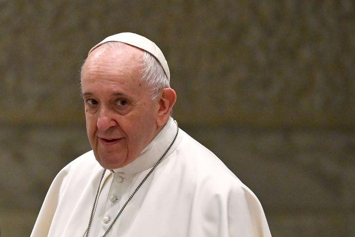 Paus Franciscus zei in de documentaire 'Francesco' dat holebikoppels het recht hebben om in een gezin te leven.