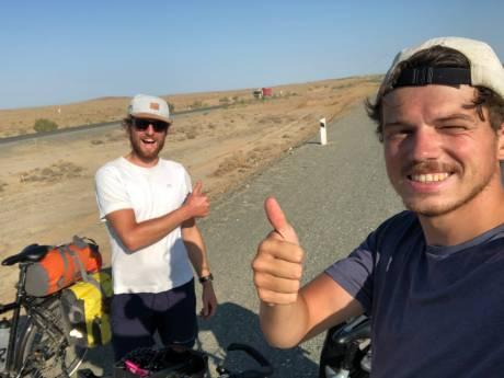 Lennart heeft diabetes, maar fietst 'even' van Houten naar China: inmiddels is hij 6000(!) kilometer verder